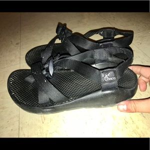 Women's Size 7 Black Chacos